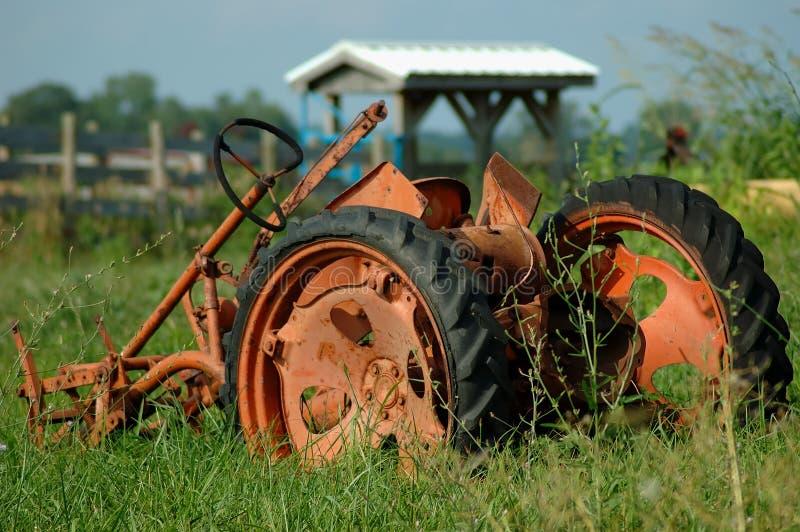 Aratro dell'azienda agricola dell'annata immagini stock libere da diritti