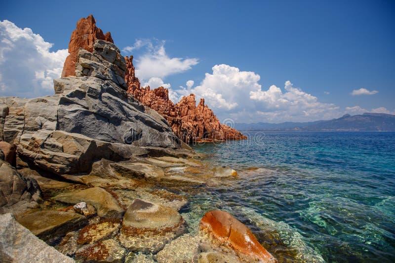 Arbatax,撒丁岛红色岩石  图库摄影