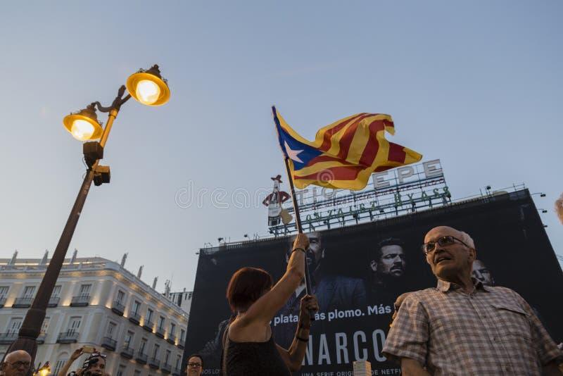 Arbeider dag Madrid - de banner IU van Izquierda Unida stock fotografie
