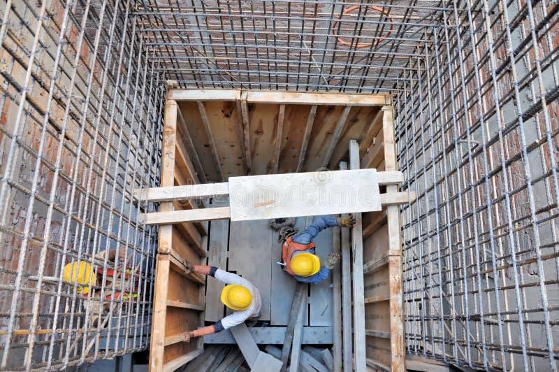 Arbeiders bij een bouw