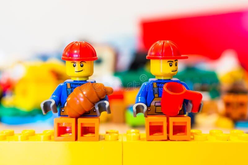 Arbeiders in een onderbreking royalty-vrije stock afbeeldingen