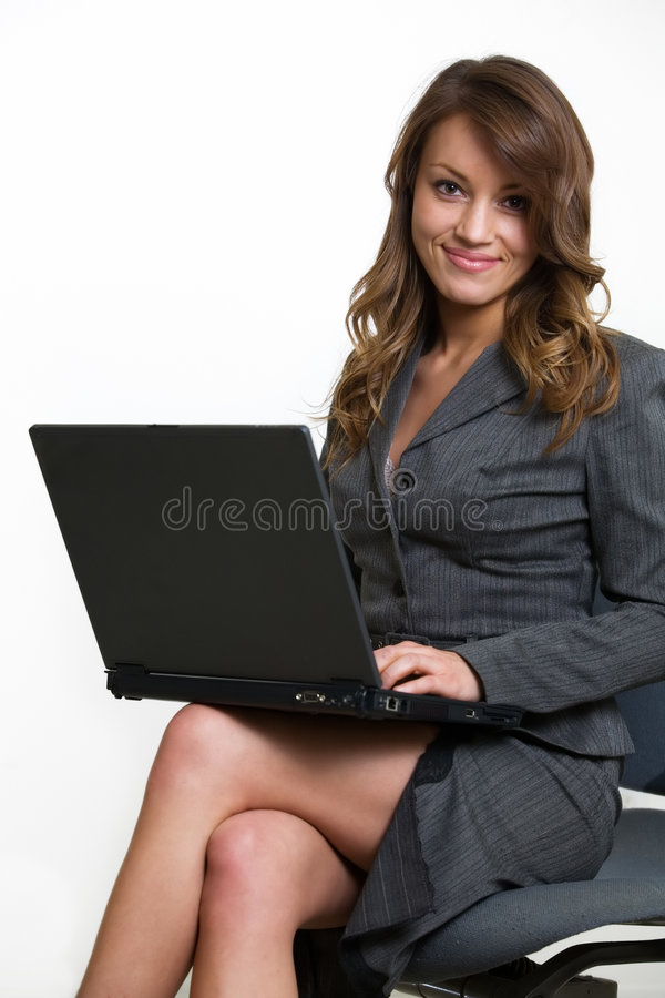 Arbeiten an Laptop lizenzfreie stockfotos