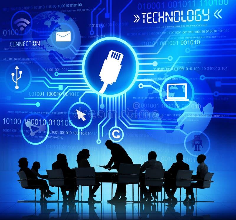Arbeitende Geschäftsleute und Technologie-Konzepte lizenzfreie stockfotos