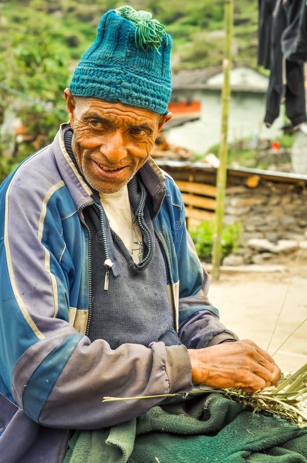 Arbeiter in Beni in Nepal stockfotos