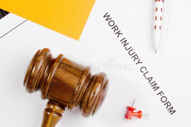 Arbeits-Verletzungs-Antragsformular stockbilder