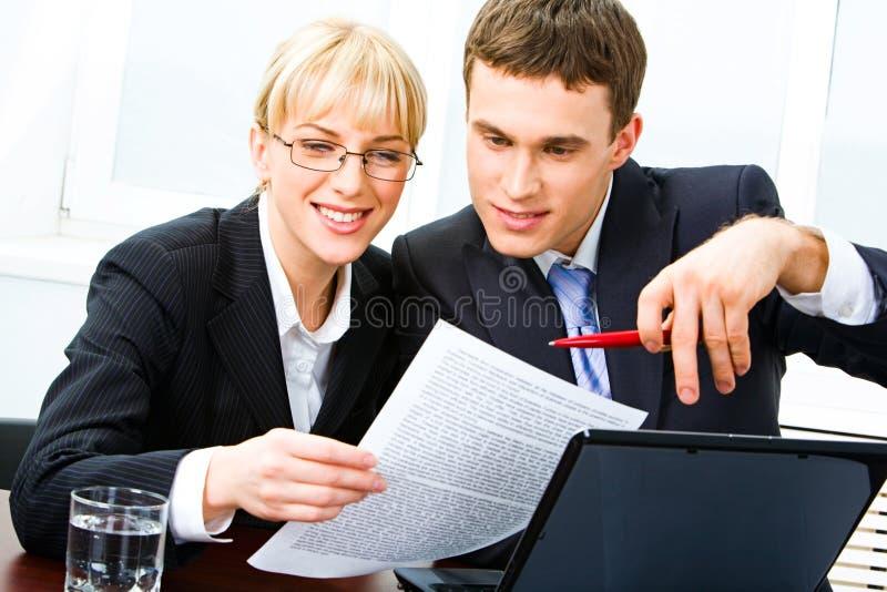 Arbeitskollegen stockfotos