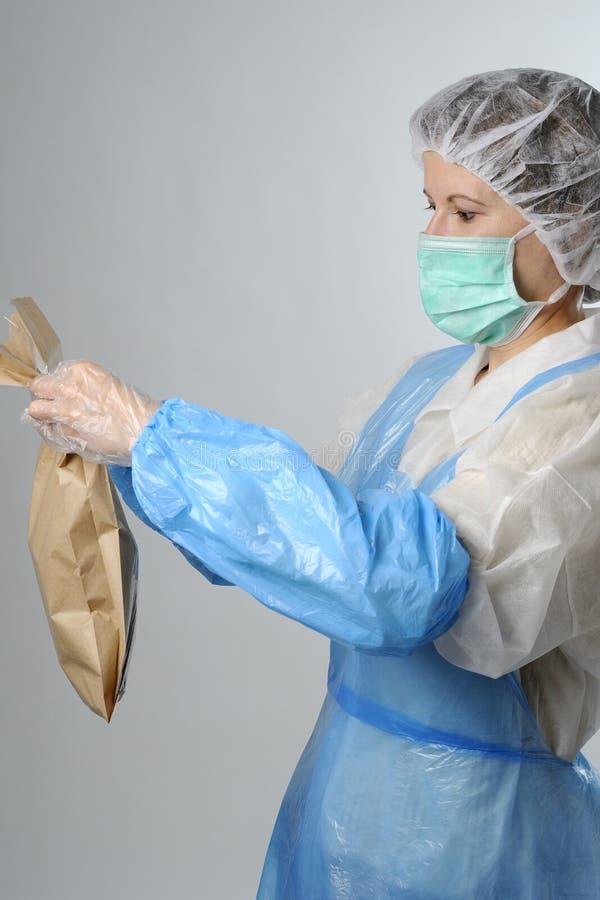 Download Arbeitskraftverpackungsbeutel Stockbild - Bild von beutel, industrie: 12200179