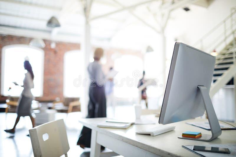 Arbeitsplatz im Büro lizenzfreies stockfoto