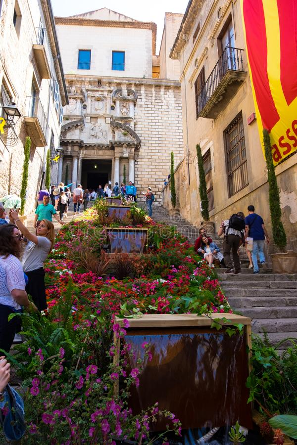 Arbetar tillfälligt de flors, händelseblommafestival i Girona Catalonia arkivbilder