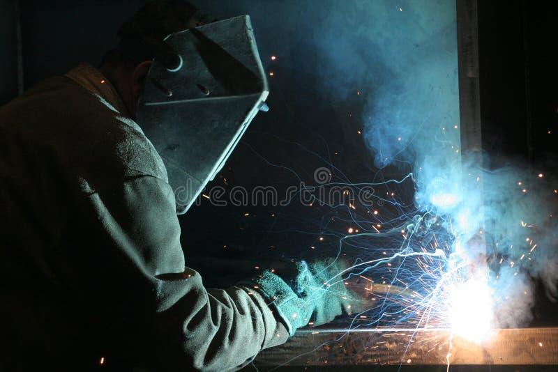 arbetare för konstruktionswelderarbete fotografering för bildbyråer