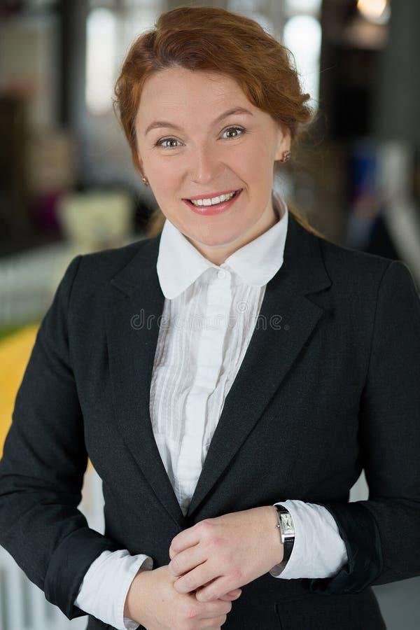 Arbetare för vit krage i regeringsställning royaltyfri foto