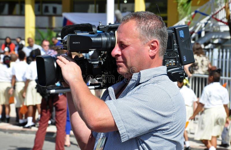 Arbete för operatör för tvnyheterna videopn arkivfoton