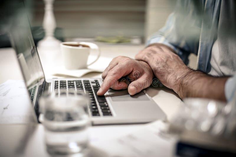 Arbete och spänning arkivfoton