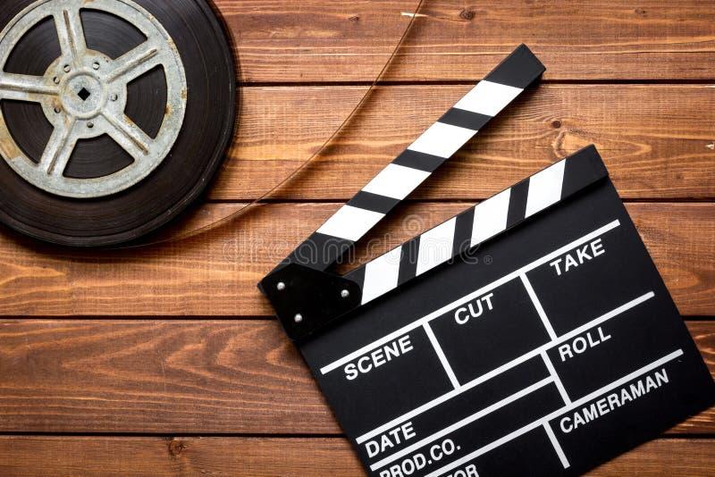 Arbetsfilmförfattare på bästa sikt för träbakgrund royaltyfri fotografi