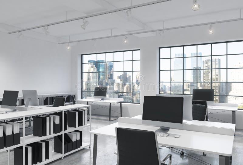 Arbetsplatser i ett ljust modernt vindöppet utrymmekontor Tabeller utrustas med moderna datorer; bokhyllor nya panorama- york royaltyfri illustrationer