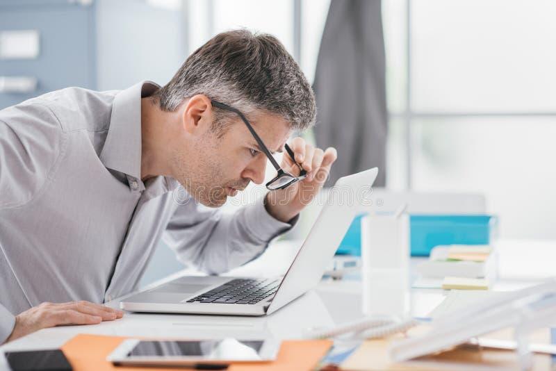 Arbetsplatsvisionproblem royaltyfria bilder