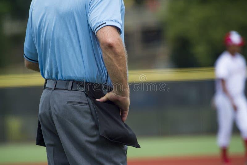 Arbitre de plat sur le terrain de base-ball, l'espace de copie photo libre de droits