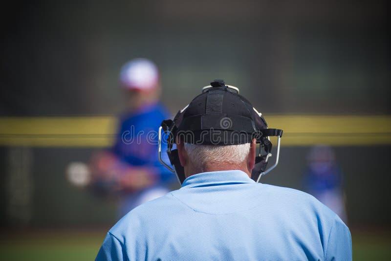 Arbitre de plat sur le terrain de base-ball, l'espace de copie images libres de droits