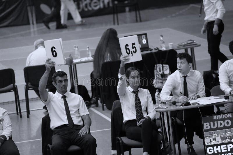 Arbitrzy przy Rumuńskim mistrzostwem, juniory, Maj 2018 obraz stock