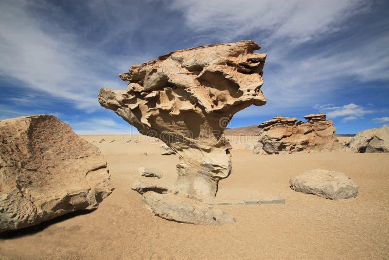 Arbol de Piedra ou  de pedra da árvore, Bolívia fotografia de stock