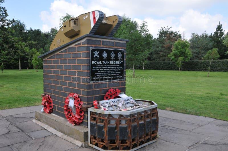 Arborétum commémoratif national d'Alrewas - mémorial royal de régiment de réservoir image stock