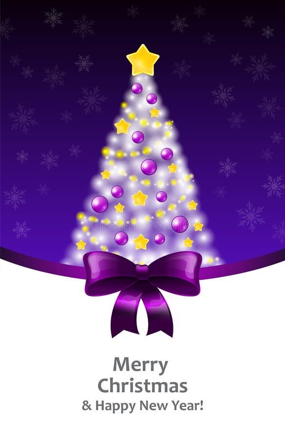 Arbre blanc de Noël sur un fond violet et un ruban photo libre de droits