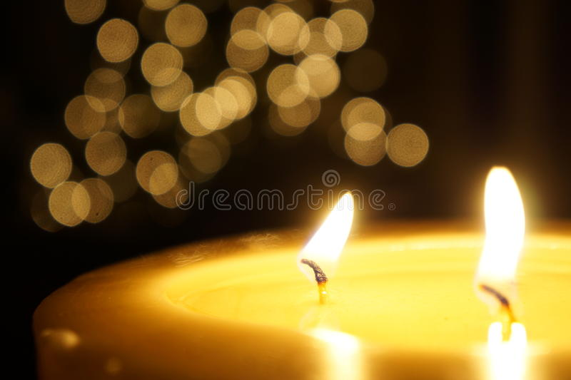 Arbre de bougie et de Noël photographie stock