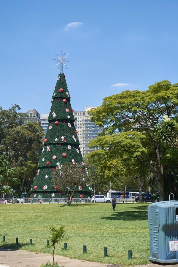 Arbre de Noël chez Ibirapuera dans la ville de Sao Paulo image stock
