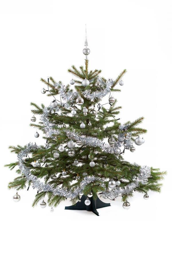 Arbre de Noël décoré avec les boules argentées images libres de droits