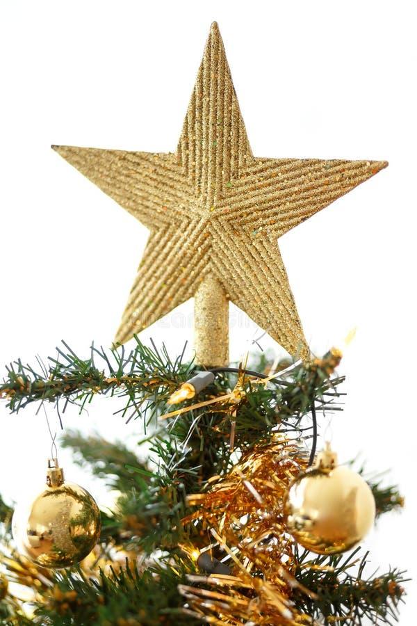 Arbre de Noël décoré avec les boules jaunes et vertes photos stock