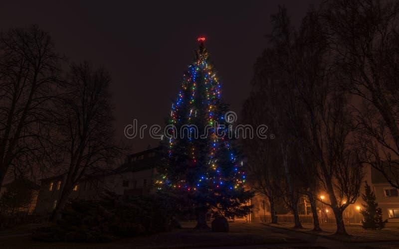 Arbre de Noël dans la ville de Hejnice image libre de droits
