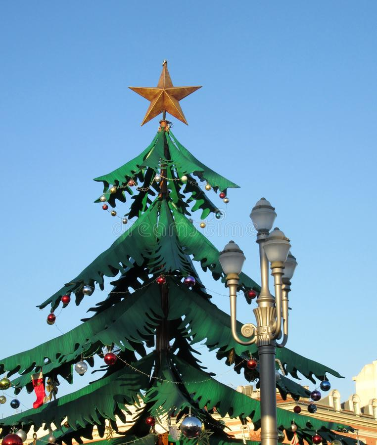 Arbre de Noël dans le massena carré de la ville Nice image libre de droits