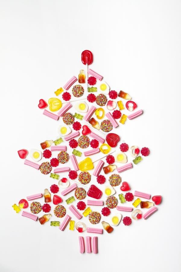Arbre de Noël fait à partir des sucettes et de la sucrerie photographie stock