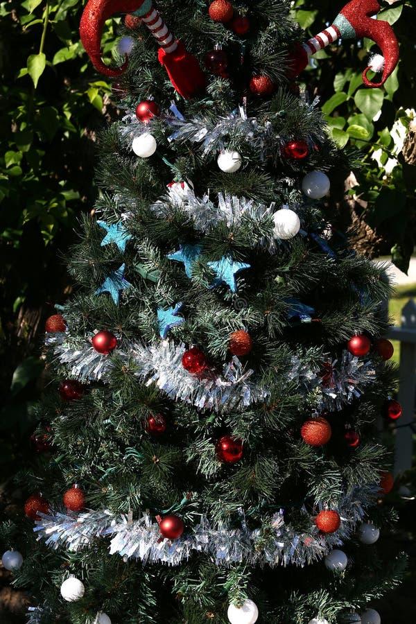 Arbre de Noël patriotique à Fort Myers, la Floride, Etats-Unis image stock
