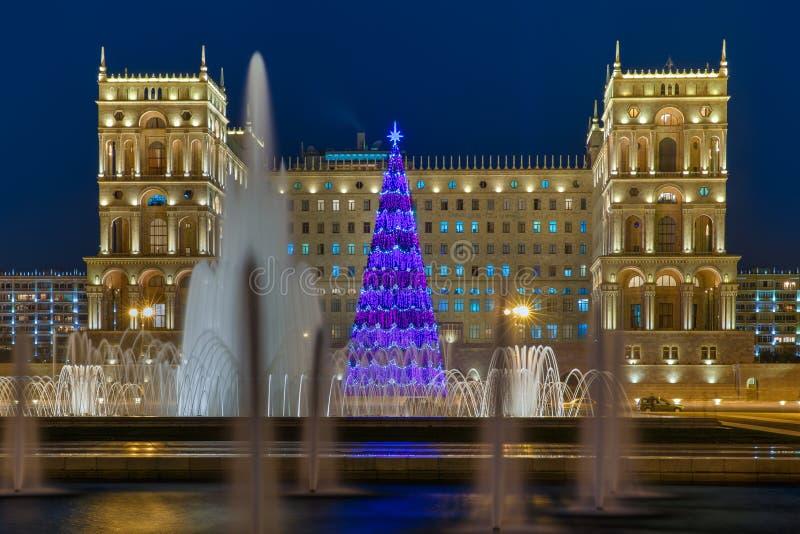 Arbre de Noël principal Bakou images stock