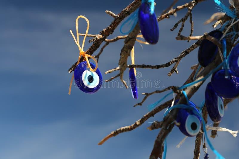 Arbre de perles d'oeil mauvais en vall?e de pigeons, Cappadocia, Nevsehir, Turquie photos libres de droits