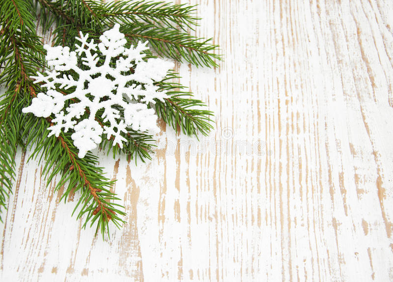 Download Arbre De Sapin De Noël Et Décor Image stock - Image du neige, ornement: 45371275