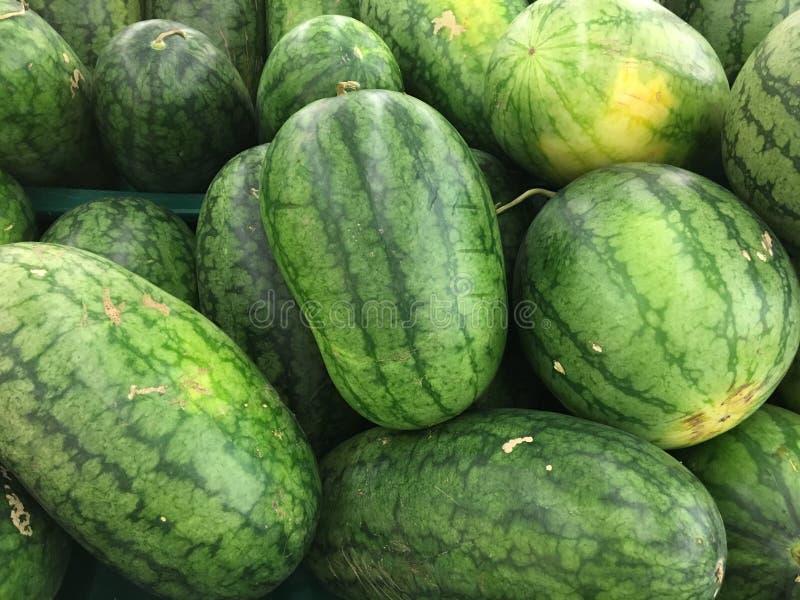 Arbuz owoc przy rynkiem zdjęcia stock