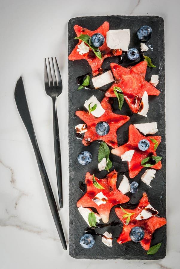 Arbuz sałatka z feta, mennica, czarna jagoda obrazy royalty free