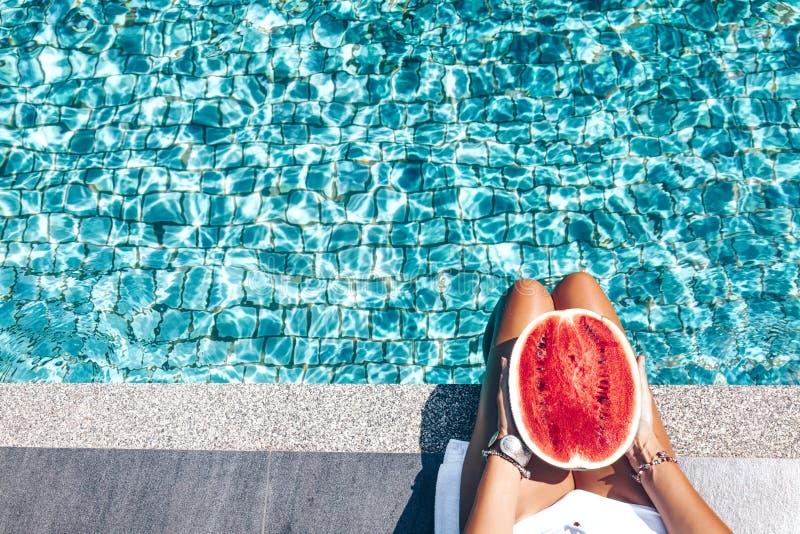 Arbuz w basenie zdjęcia royalty free