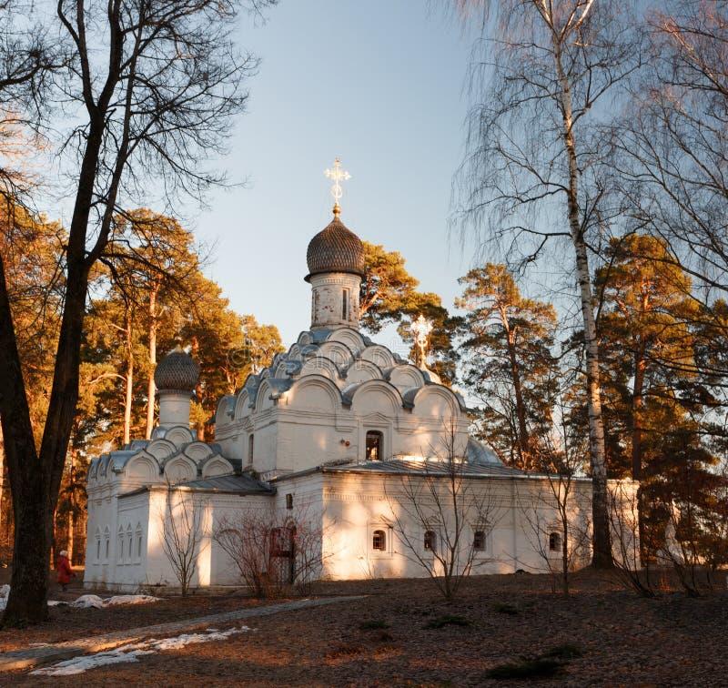 Arcángel Michael Church en el estado Archangelskoye del museo cerca de Moscú fotos de archivo libres de regalías