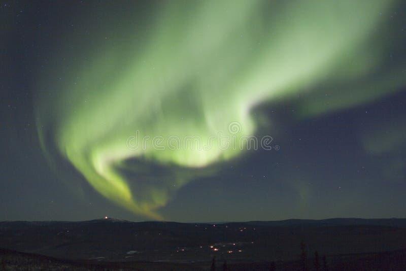Arc actif d'aurora borealis photographie stock libre de droits