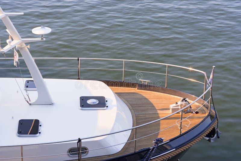 Arc d'un yacht de luxe image stock