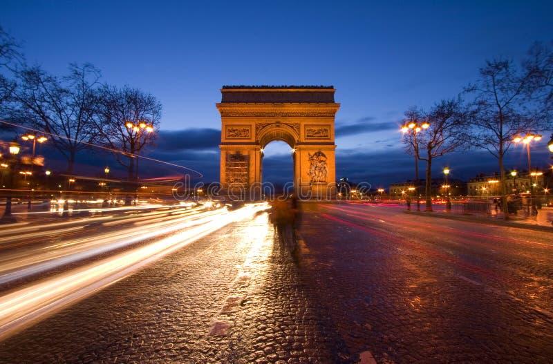 Arc de Triomphe à Paris photographie stock libre de droits