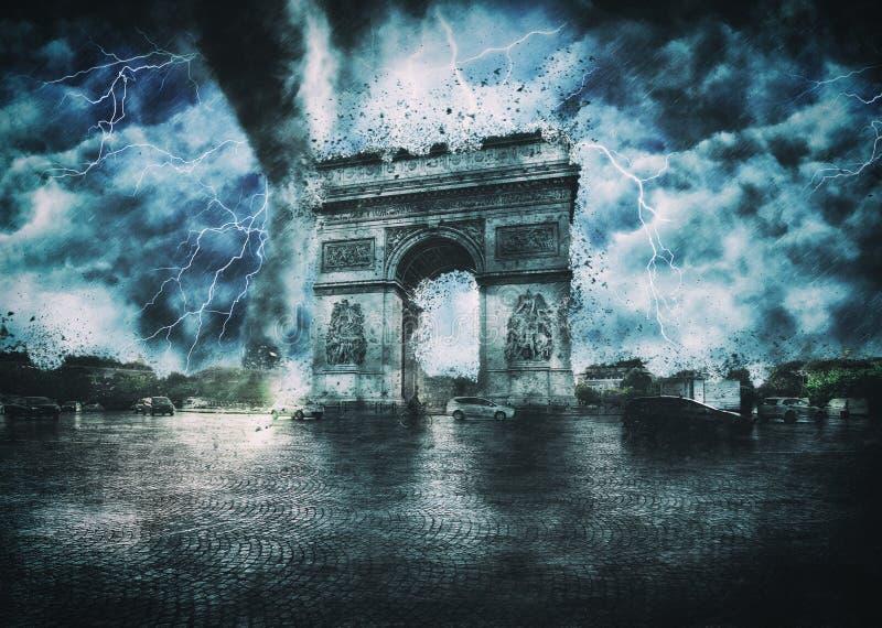 Arc de Triomphe ha distrutto   Apocalisse a Parigi fotografie stock