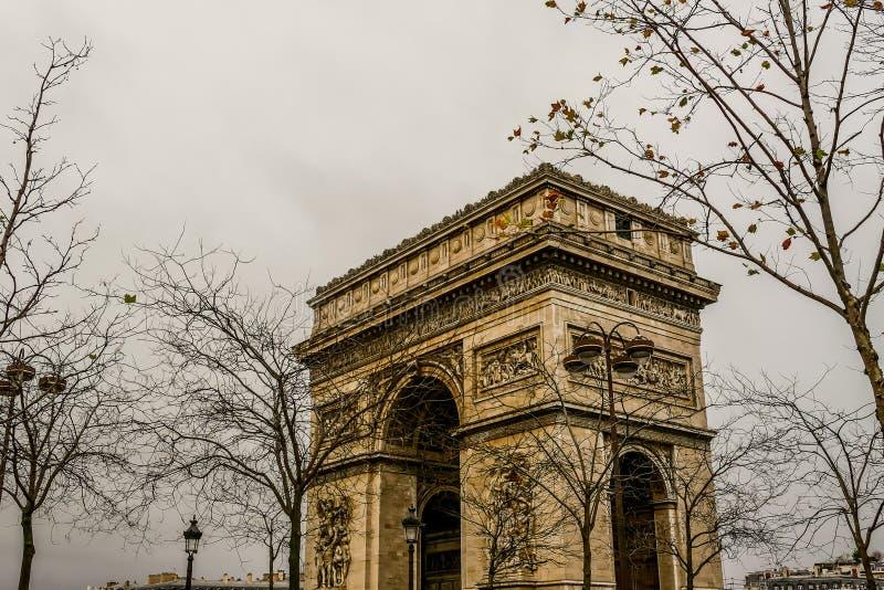 Arc de Triomphe, imagen de la foto una vista panorámica hermosa de la ciudad del metropolitano de París foto de archivo libre de regalías