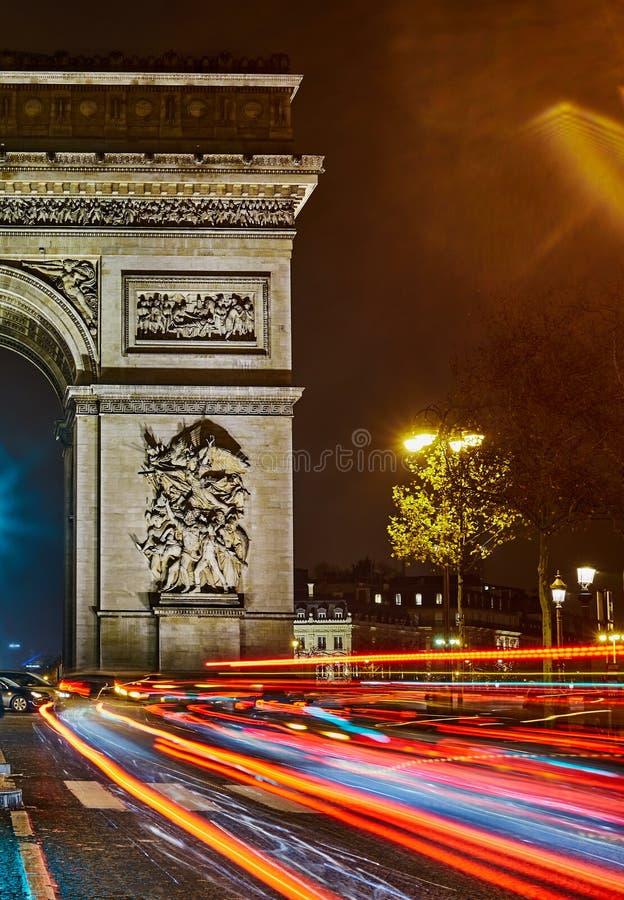 Arc de Triomphe la nuit photos libres de droits