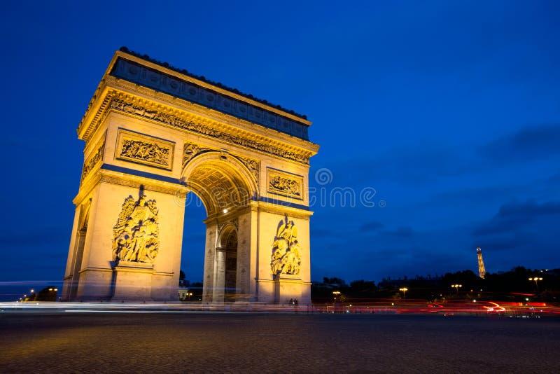 Arc de Triomphe la nuit, Paris photographie stock