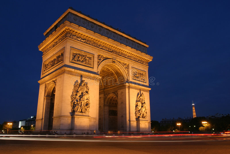 Arc de Triomphe nachts, Paris stockbild