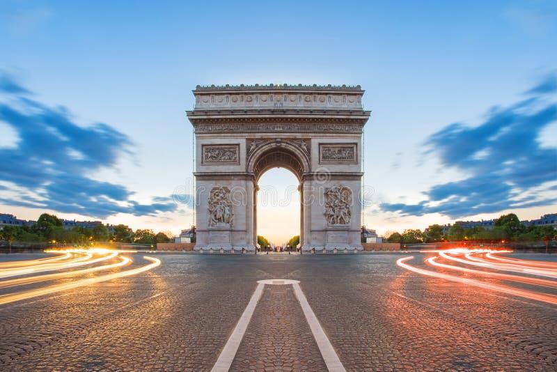 Arc de Triomphe in Paris, Frankreich lizenzfreies stockfoto